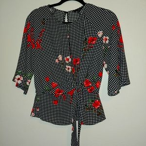 NWOT. EXPRESS CUT-OUT BLOUSE